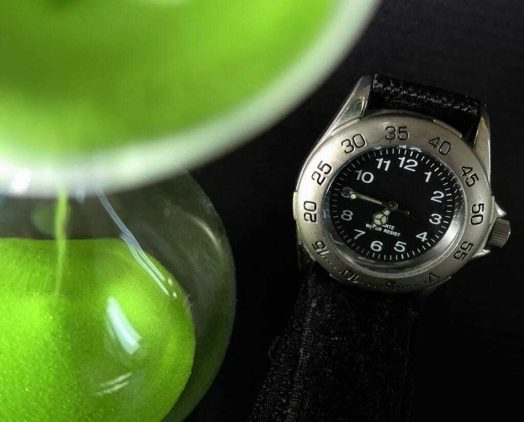 腕時計-砂時計-時間