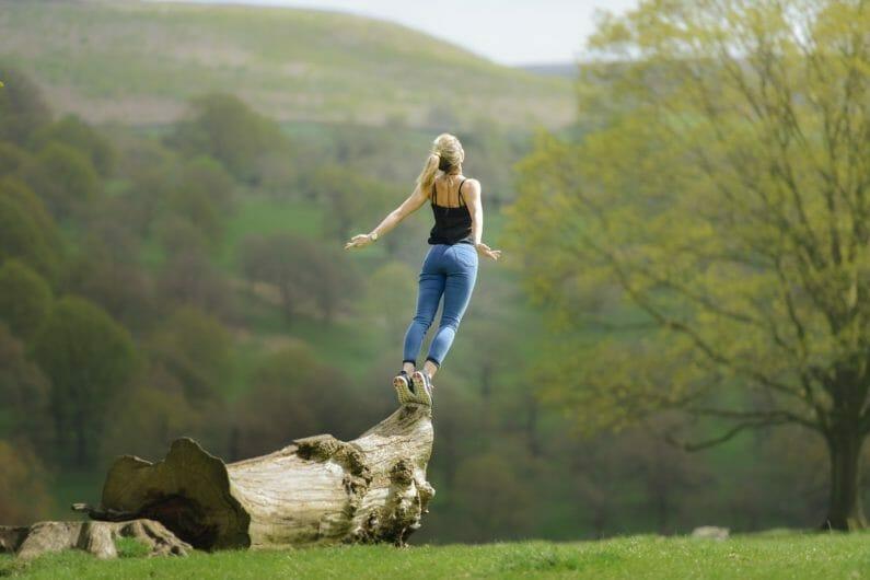 自然体の女性-自分らしさ
