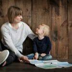 教育する親と子供