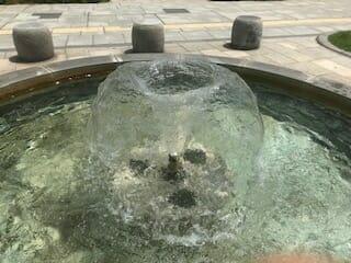 幾何学的噴水-札幌-大通公園
