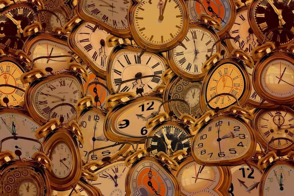 歪んだ時計たち