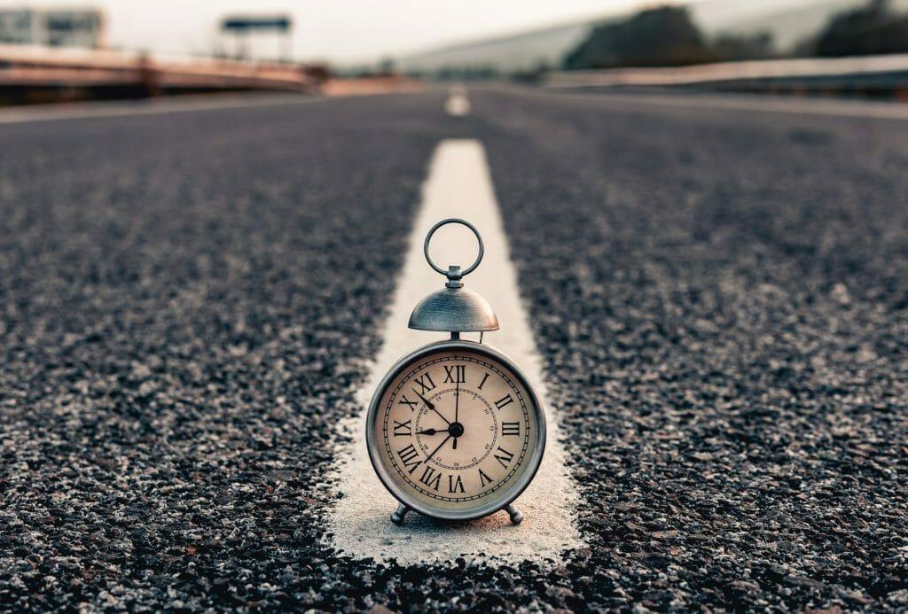 道端の時計